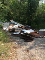 Abbandono di rifiuti in fondovalle Savena