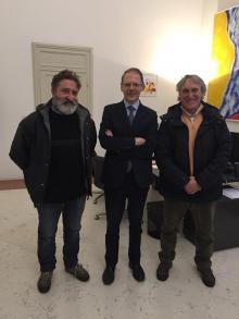 Consegnate all'Assessore Barigazzi le firme raccolte dal CAST in difesa dell'Ospedale